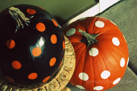 apinted polka dot pumpkins! via @jennyonthespot