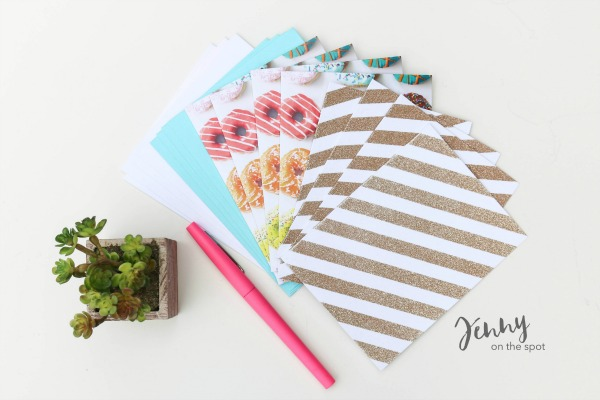 13 College Student Must-Haves - The Dorm Edition - blank note cards via @jennyonthespot