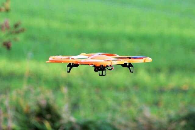 drone-1030646_640