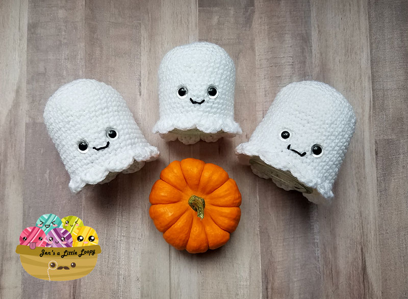 Glowing crochet ghosts upcycled Halloween craft