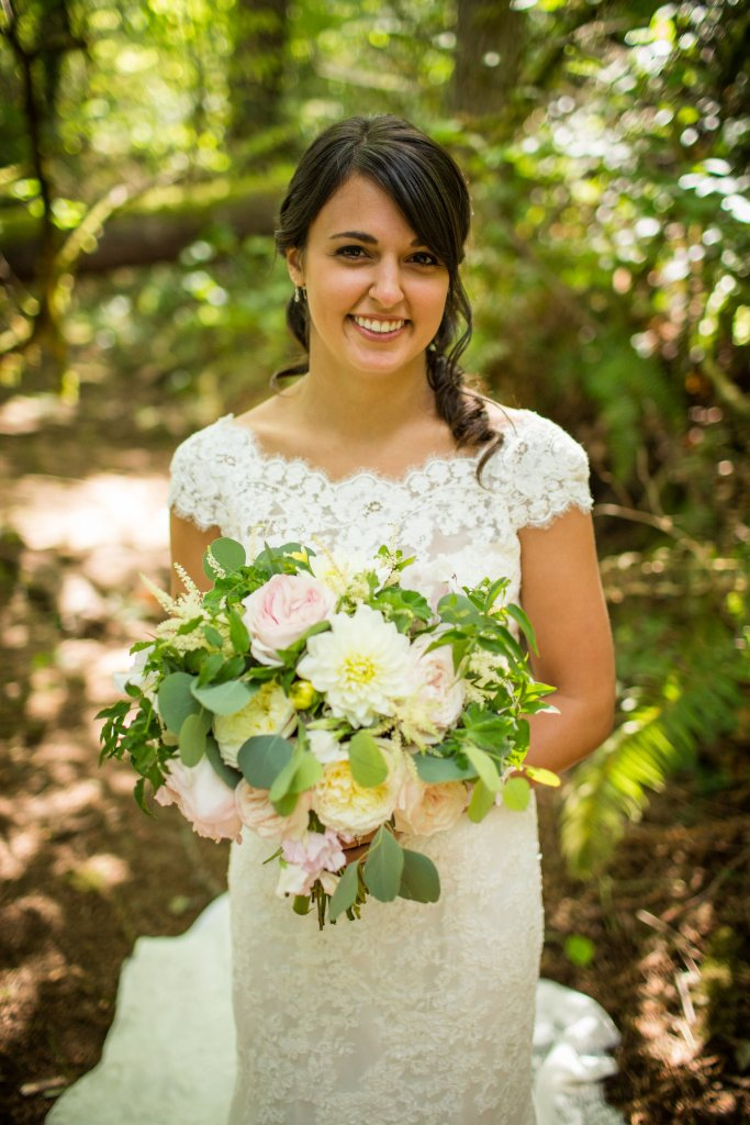 Garden Roses, Dahlias, Eucalyptus, Garden Rose Bouquet, View More: http://charbeck.pass.us/08-16-15-lee-dani
