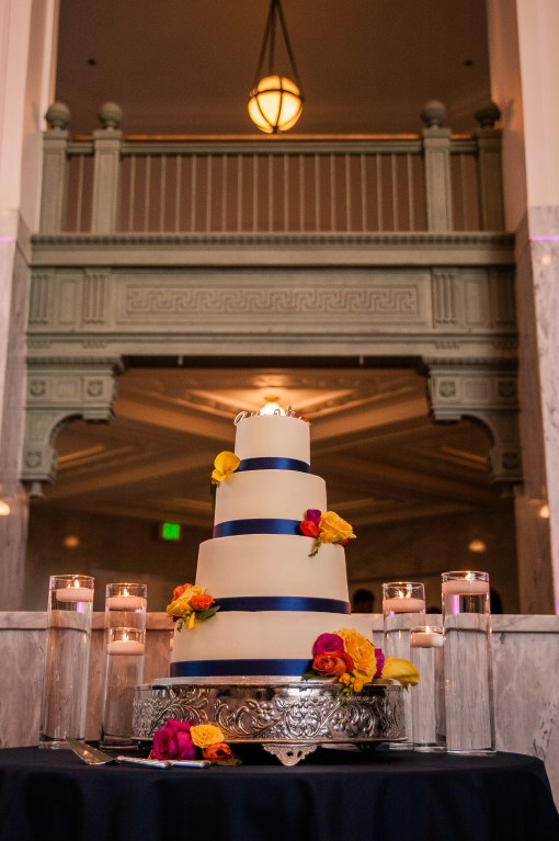 Union Station Wedding || Photo: Genesa Richards Photography ||Corina Bakery Cake