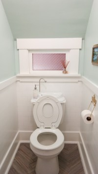 How to maximize space in a tiny bathroom | Jen Spends Less