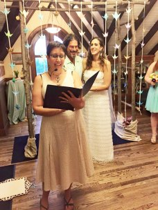 Jen-officiating-Arin-&-Kevin's-wedding