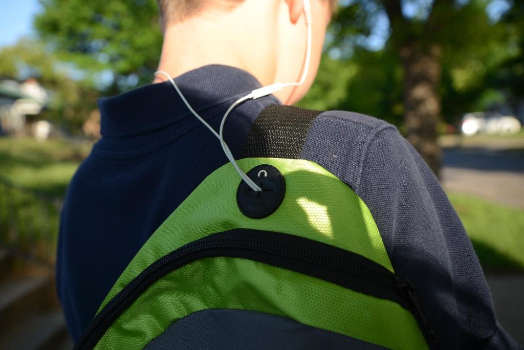 Backpack earphone portal