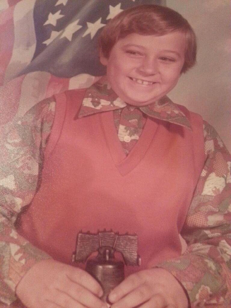 Posted Publicly on Twitter by @moooooo35 | Bicentennial-Era School Picture