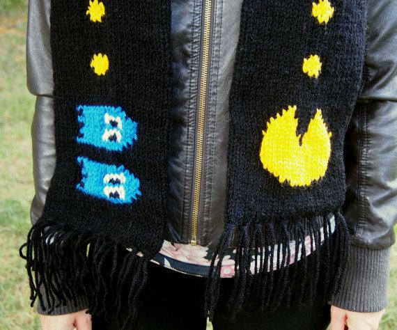 pacman-scarf