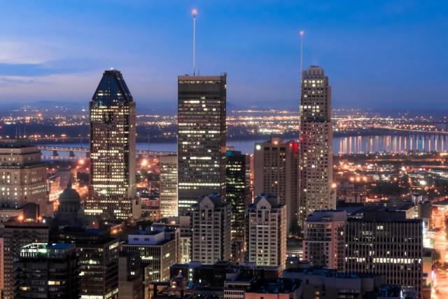 Les Trois plus Haut Gratte-Ciel de Montréal au crépuscule