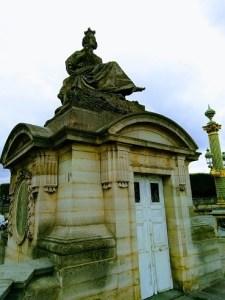 pavillon statue lille place de la concorde