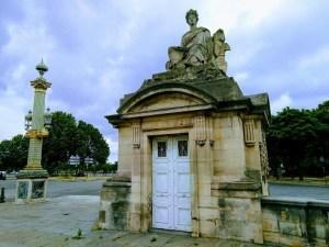 statue Nantes place de la Concorde