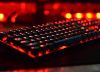 Être nomade et jouer aux jeux-vidéos ? Le MINI ordinateur gaming