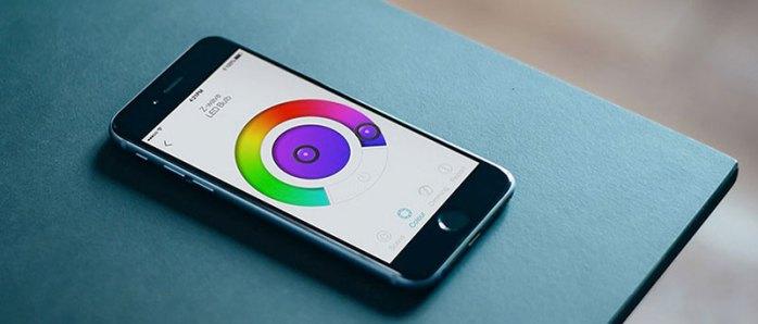 contrôle de l'intensité lumineuse et de la couleur