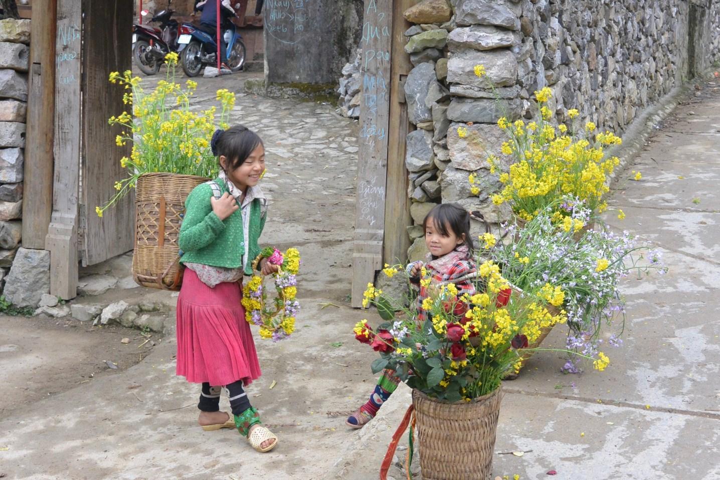 kids in Ha Giang
