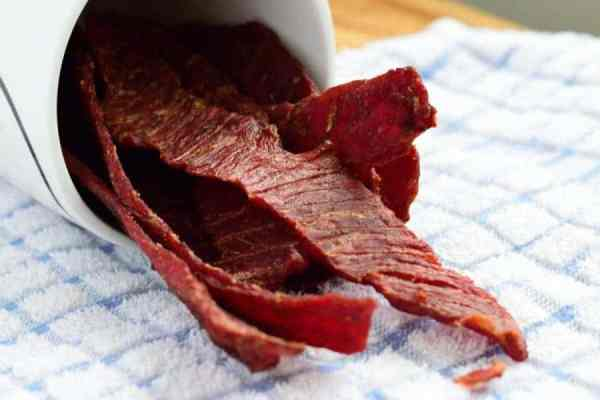 This blend of 5 spices create a beef jerky that is wonderfully sweet and spicy! | Jerkyholic.com