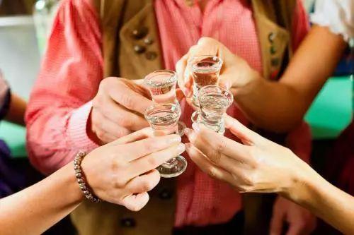 L'art de boire, en Chine et en France