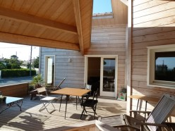 Maison en bois massif à Meschers-sur-Gironde terrasse