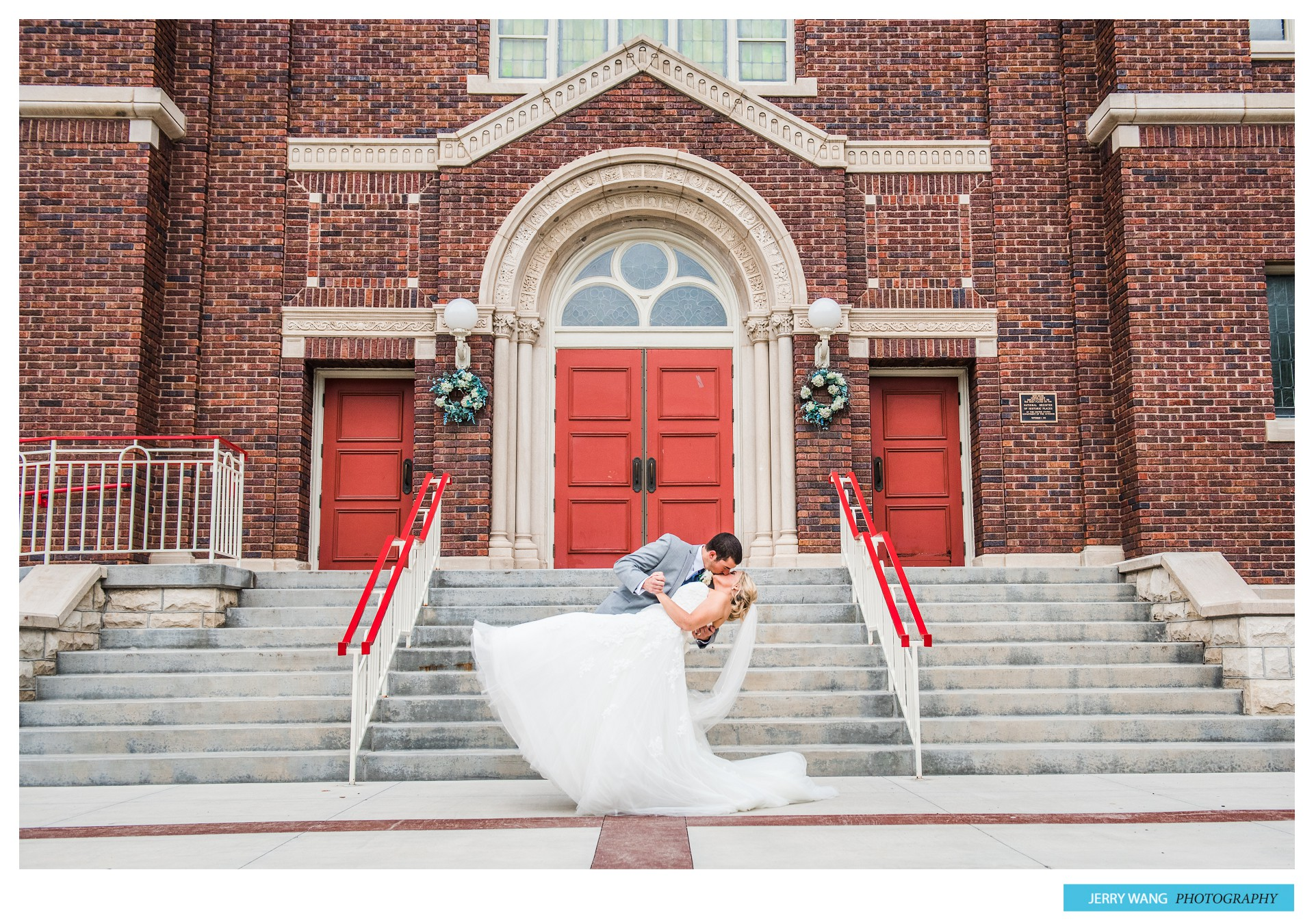 AB  Manhattan Kansas Wedding  Prairiewood Retreat
