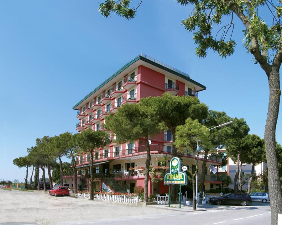 Hotel Frank Jesolo 3 Stelle con spiaggia privata e piscina
