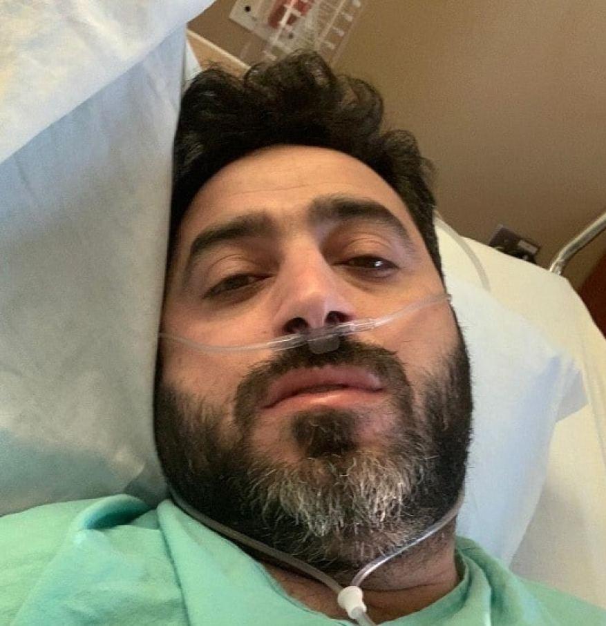 """حوى - المنشد السوري يحيى حوى بحالة صحية سيئة بعد إصابته بفيروس """"كورونا"""""""
