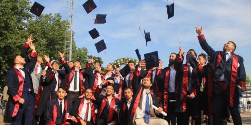 .jpg?resize=868%2C434&ssl=1 - عليكم دفع الأقساط !.. رسالة نصية تفاجئ الطلاب السوريين في الجامعات التركية