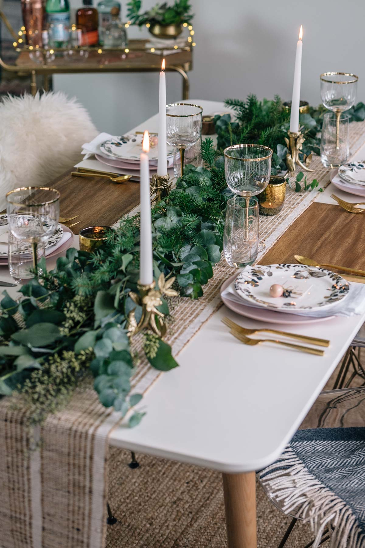 Holiday Tablescape Inspiration Rustic Cozy Minimal