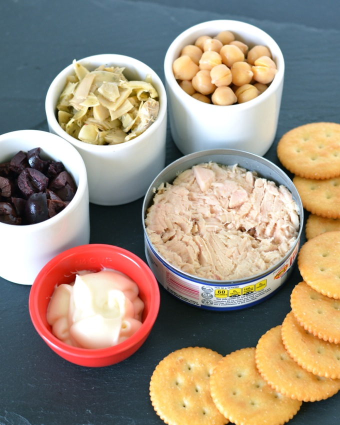 Mediterranean Tuna Salad on Ritz Crackers #PutItOnARitz