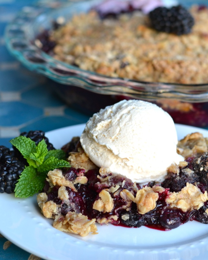 Cinnamon Blackberry Crisp