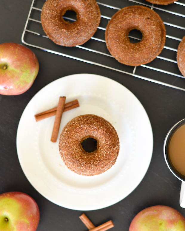 Whole Wheat Baked Apple Cider Donuts