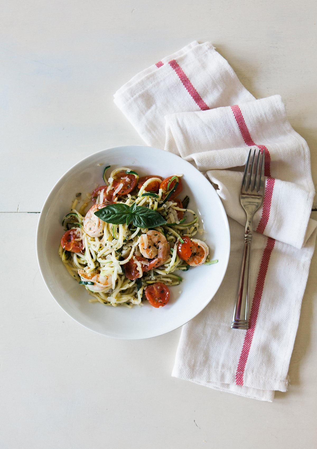 garlic-lemon-shrimp-pesto-zucchini-noodle-pasta-healthy-eating-paderno-spiralizer-jessica-brigham-blog