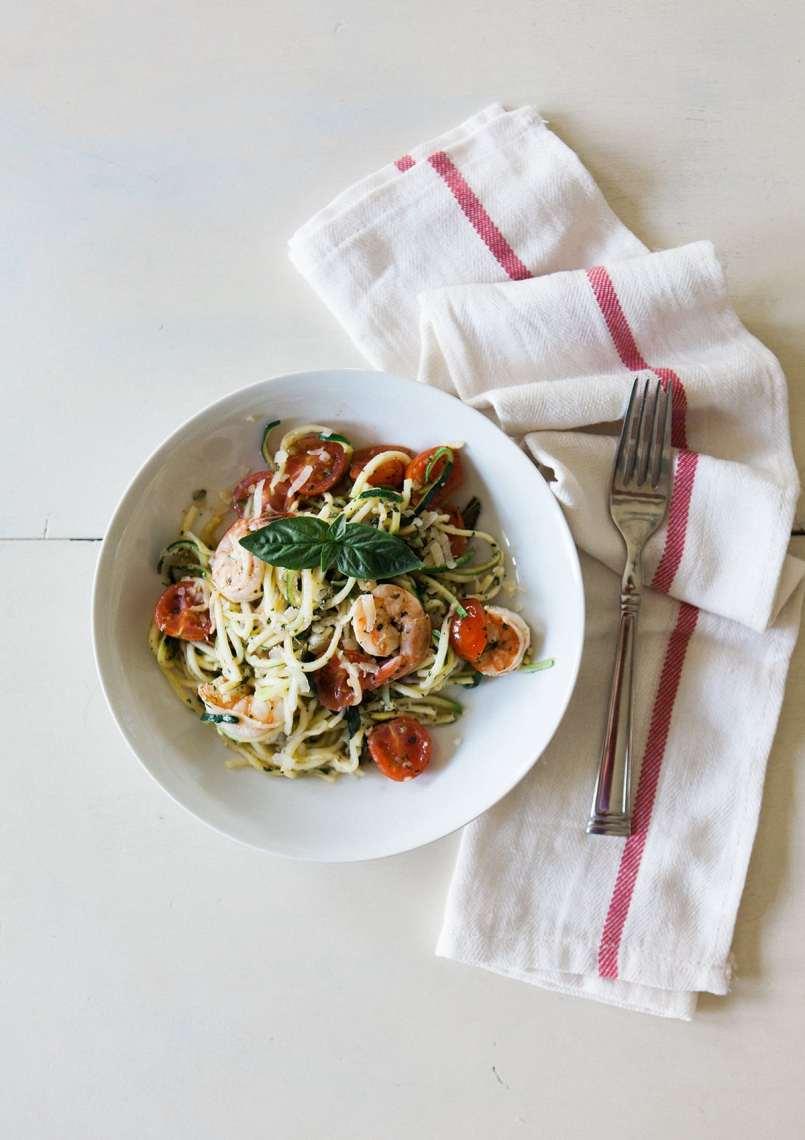 garlic-lemon-shrimp-pesto-zucchini-noodle-pasta-healthy-eating-paderno-spiralizer-jessica-brigham-blog
