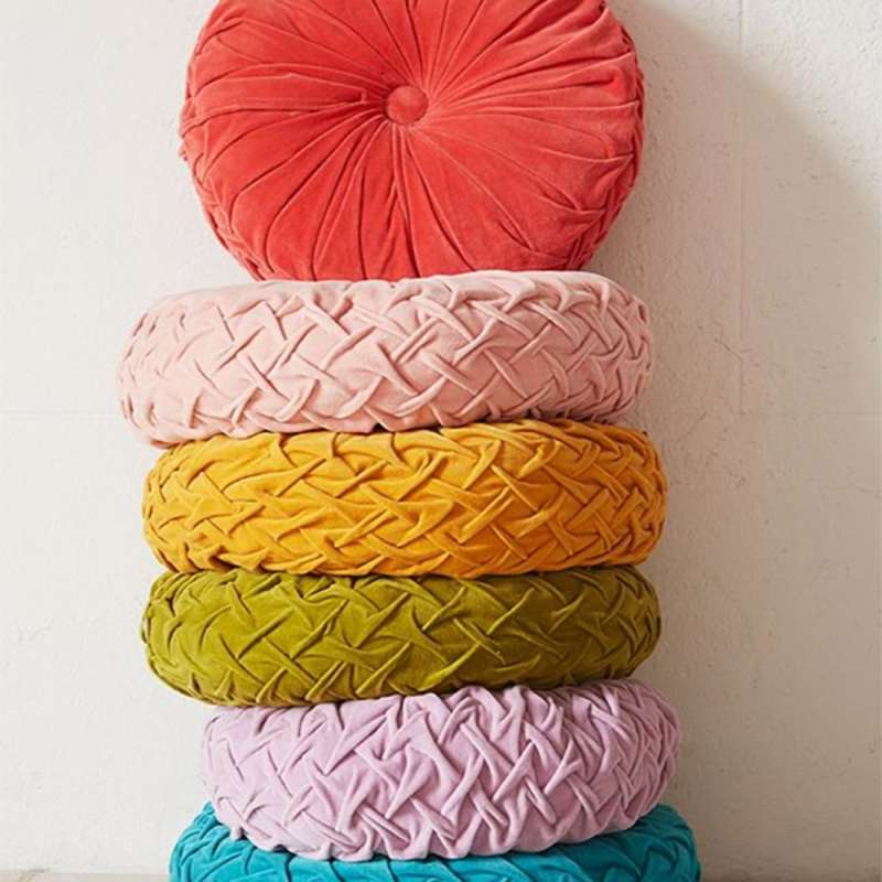 Colorful Pillow Inspiration | Jessica Brigham Magazine Ready for Life