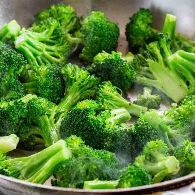 How to Cook Broccoli (21 ways!)