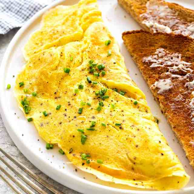 How to Make an Omelette (18-ways!)