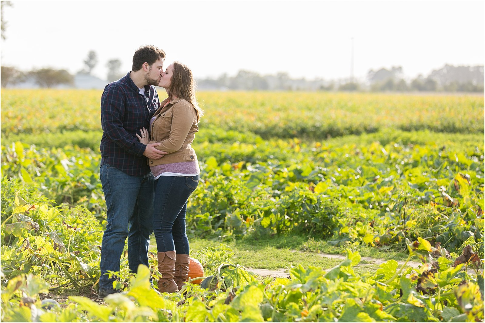 jessica_ryan_photography_pumpkin_patch_engagement_portraits_fall_october_engagements_virginia_beach_chesapeake_0284