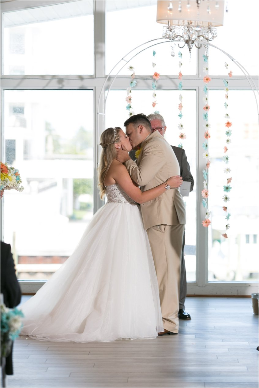 jessica_ryan_photography_virginia_beach_water_tabe_wedding_vera_wang_wedding_dress_0684