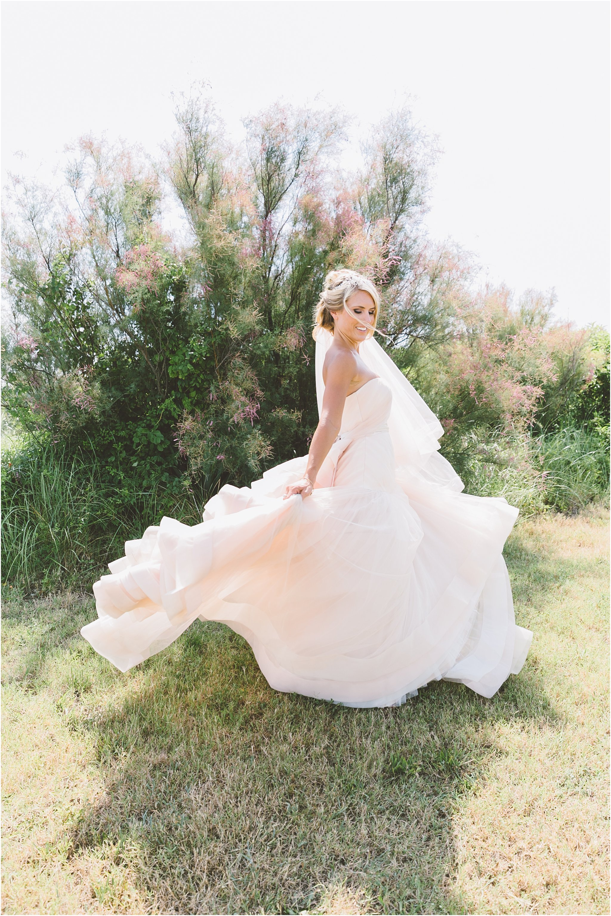 jessica_ryan_photography_virginia_beach_water_tabe_wedding_vera_wang_wedding_dress_0627