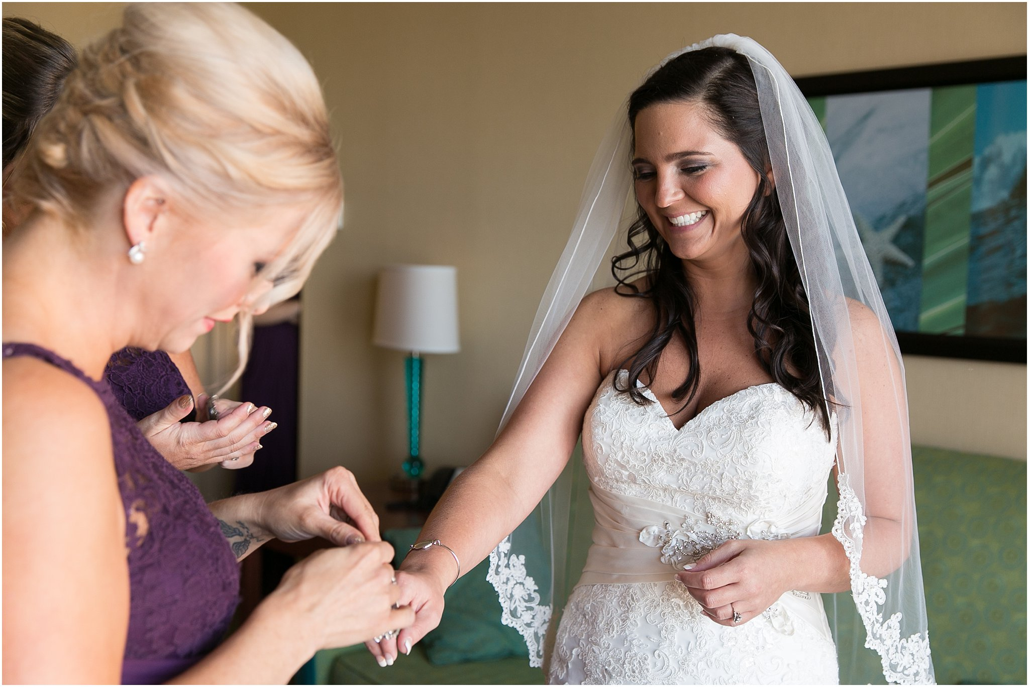 jessica_ryan_photography_wedding_virginia_beach_oceanfront_holiday_inn_north_suites_hotel_wedding_0653