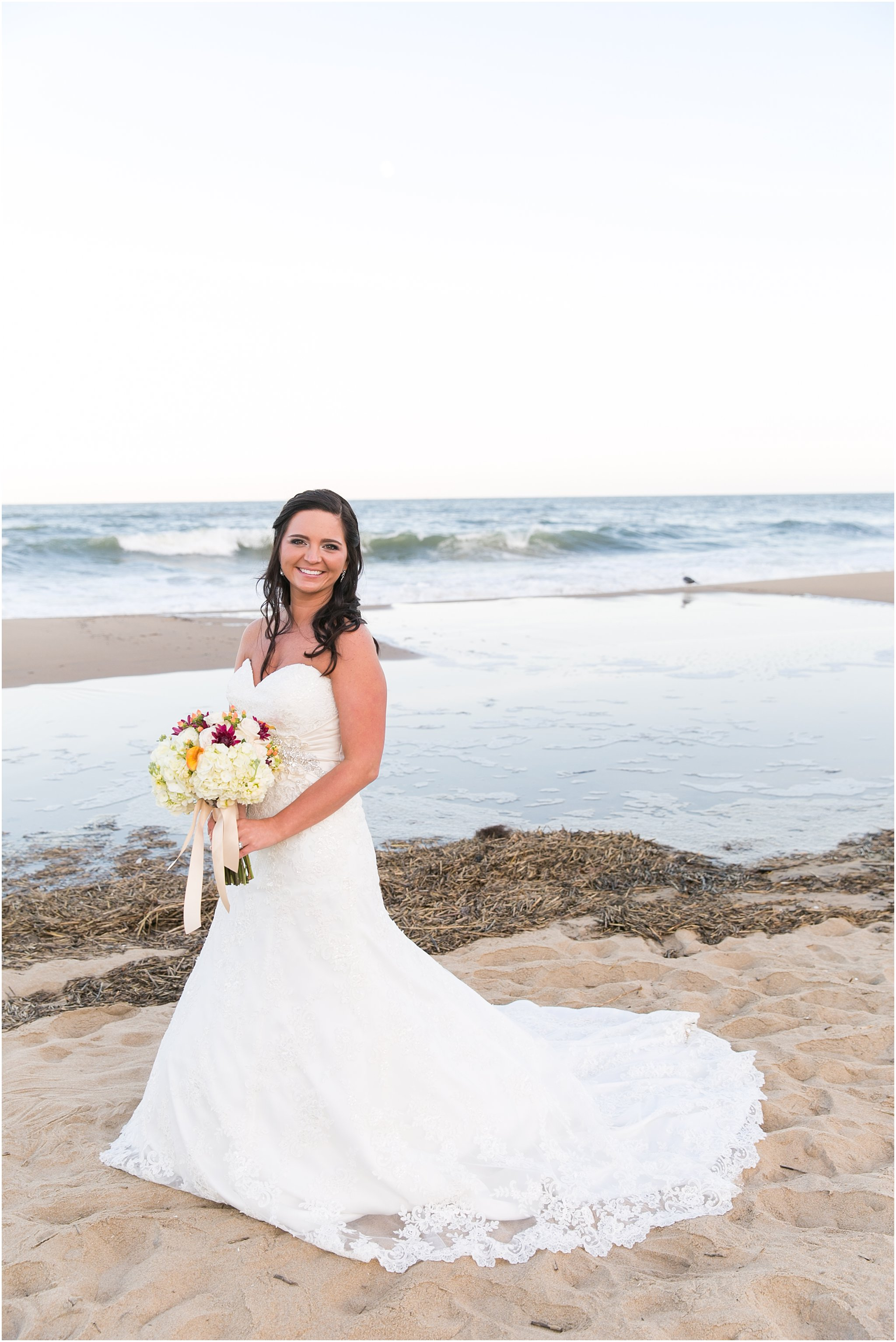 jessica_ryan_photography_wedding_virginia_beach_oceanfront_holiday_inn_north_suites_hotel_wedding_0683