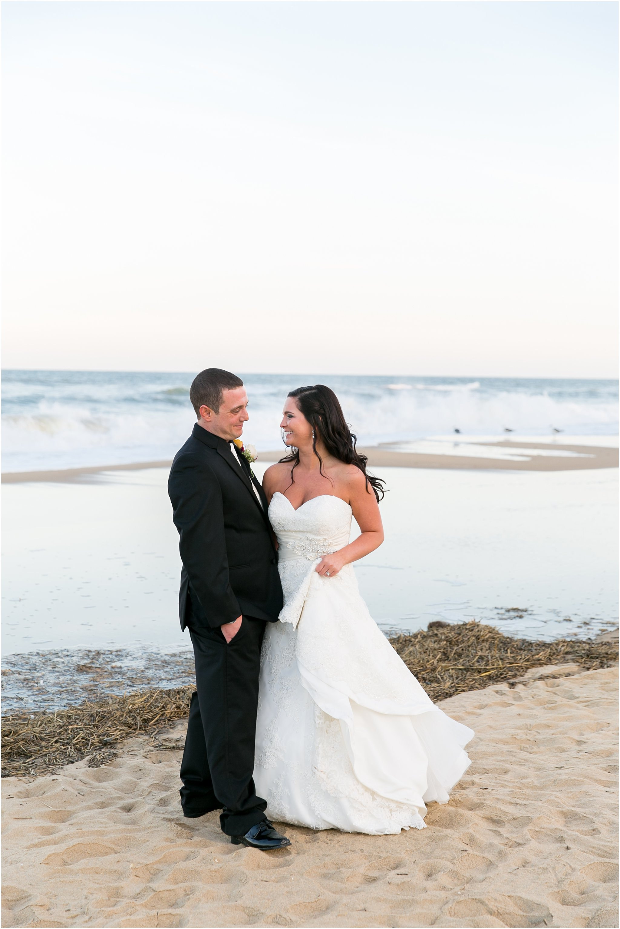 jessica_ryan_photography_wedding_virginia_beach_oceanfront_holiday_inn_north_suites_hotel_wedding_0694