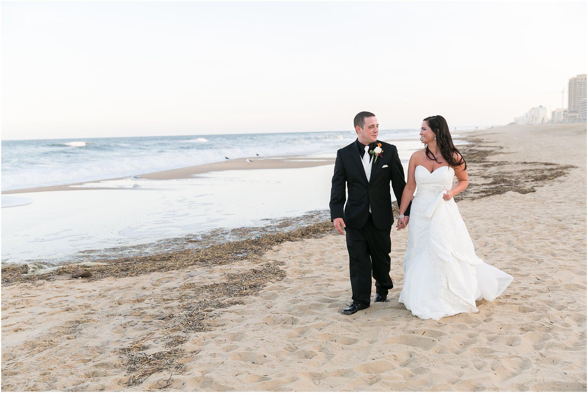 jessica_ryan_photography_wedding_virginia_beach_oceanfront_holiday_inn_north_suites_hotel_wedding_0695