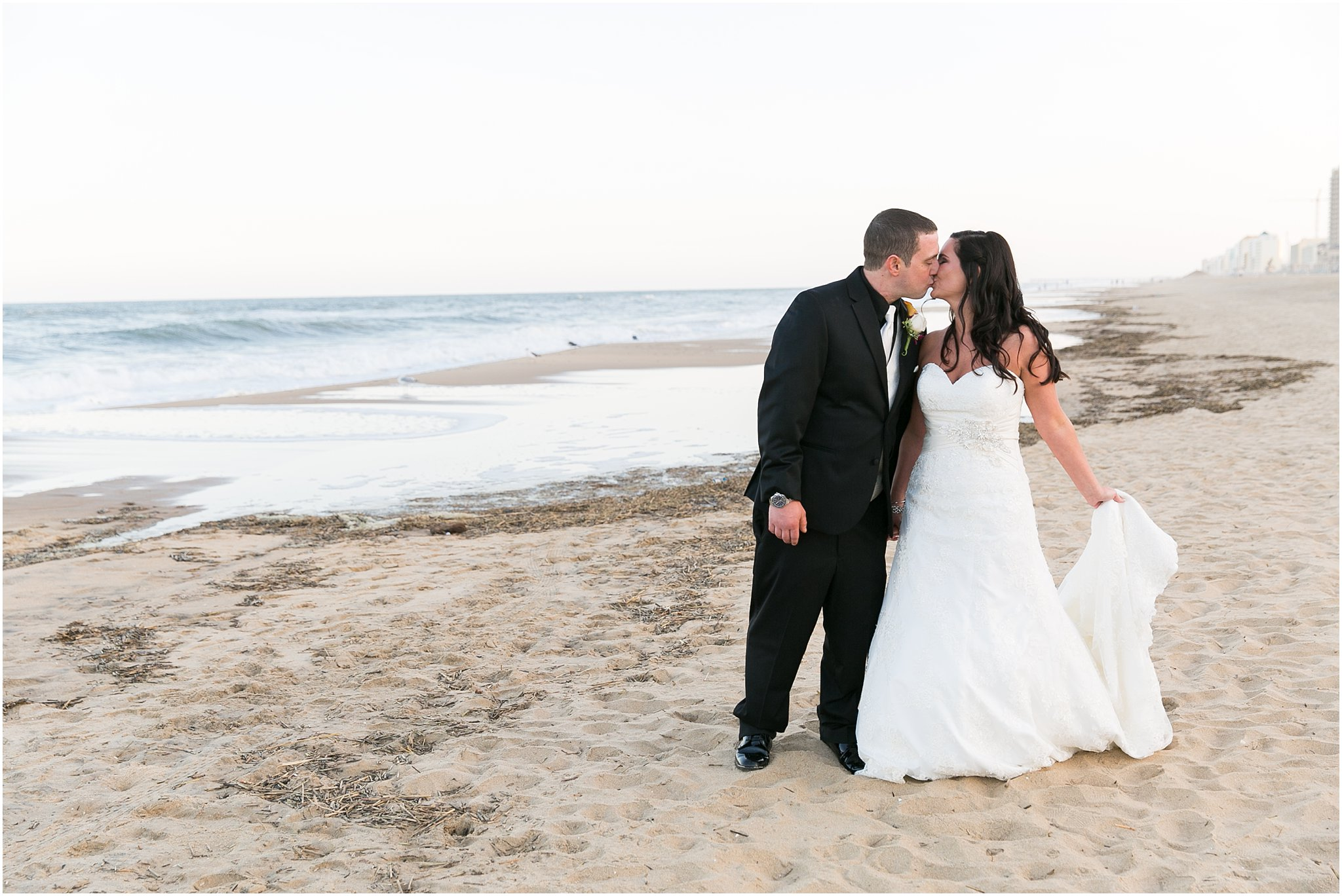 jessica_ryan_photography_wedding_virginia_beach_oceanfront_holiday_inn_north_suites_hotel_wedding_0696