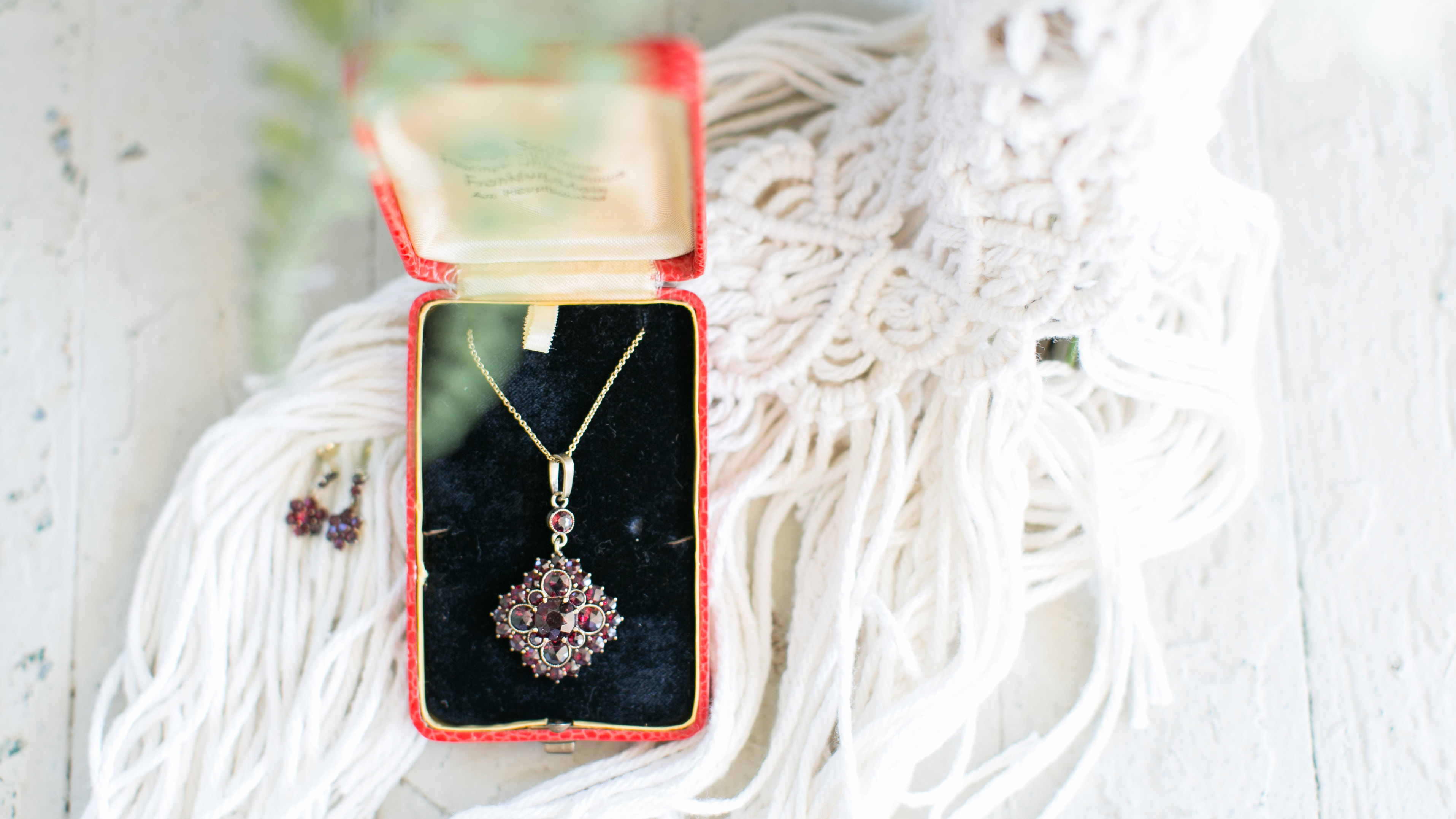 boho_wedding_virginia_beach_jessica_ryan_photography_virginia_heirloom_jewelery