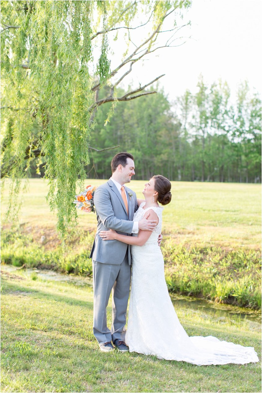 jessica_ryan_photography_holly_ridge_manor_wedding_roost_flowers_jamie_leigh_events_dhalia_edwards_candid_vibrant_wedding_colors_1324