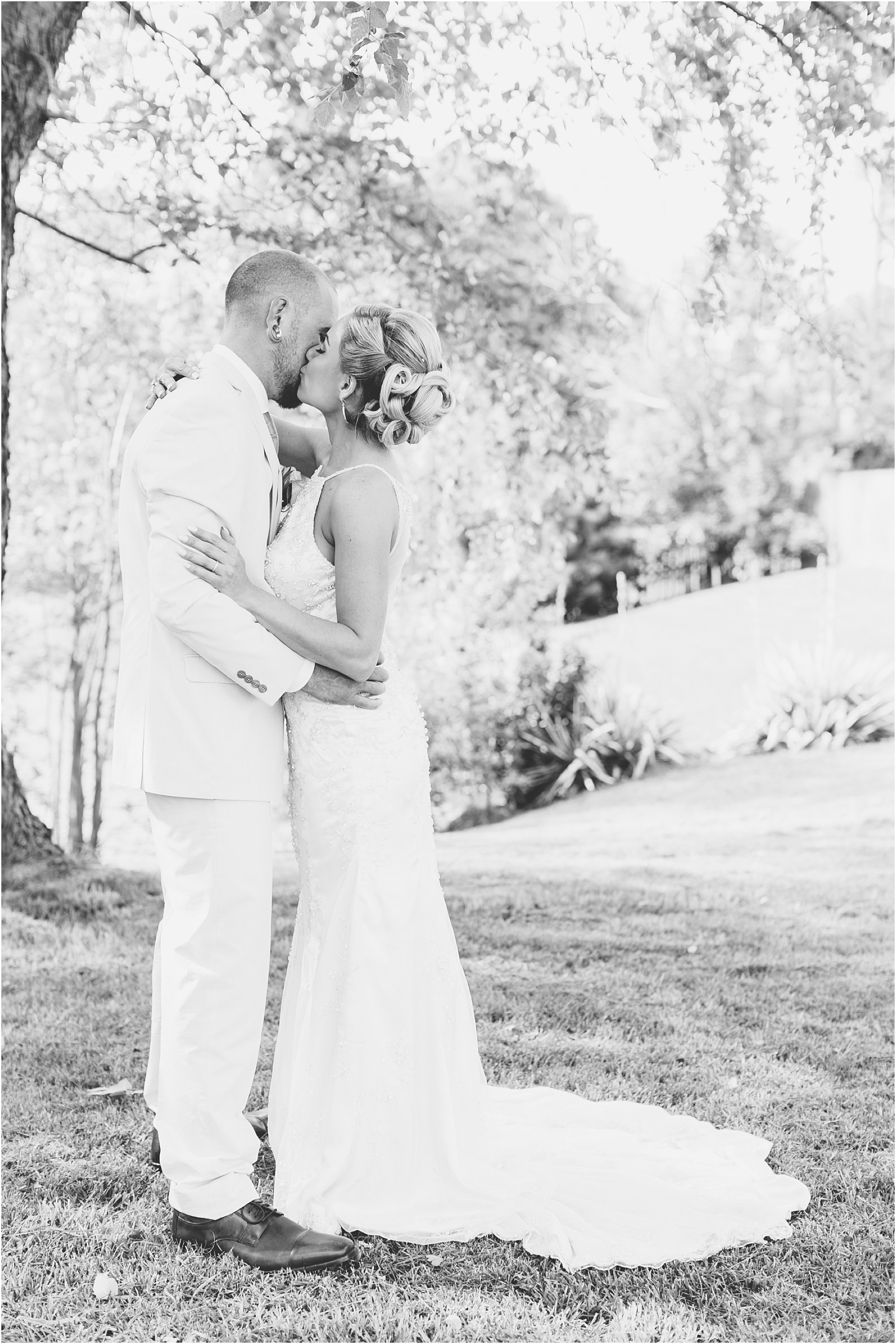jessica_ryan_photography_virginia_virginiabeachweddingphotographer_studioIdo_backyardwedding_waterfrontwedding_1687