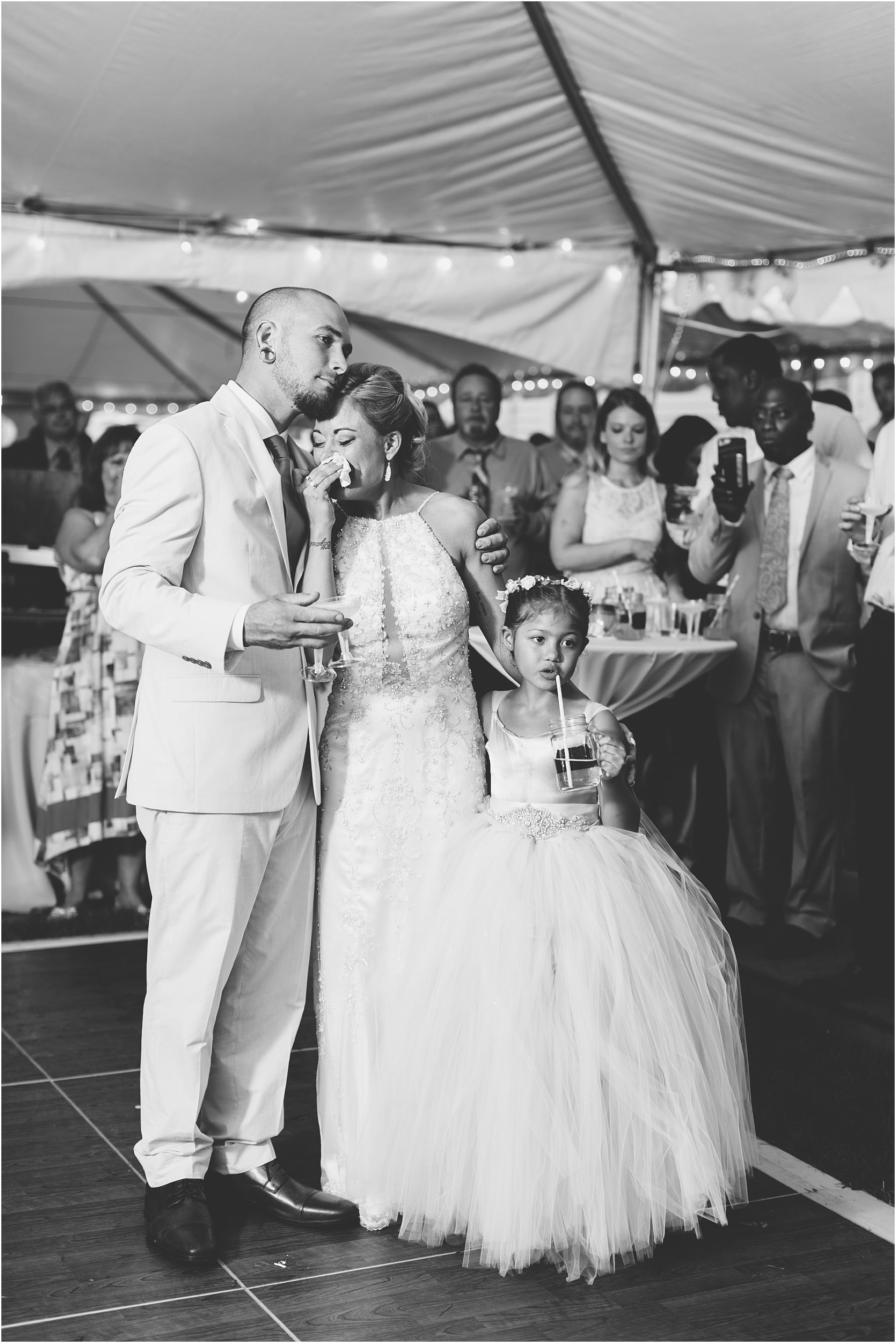 jessica_ryan_photography_virginia_virginiabeachweddingphotographer_studioIdo_backyardwedding_waterfrontwedding_1720