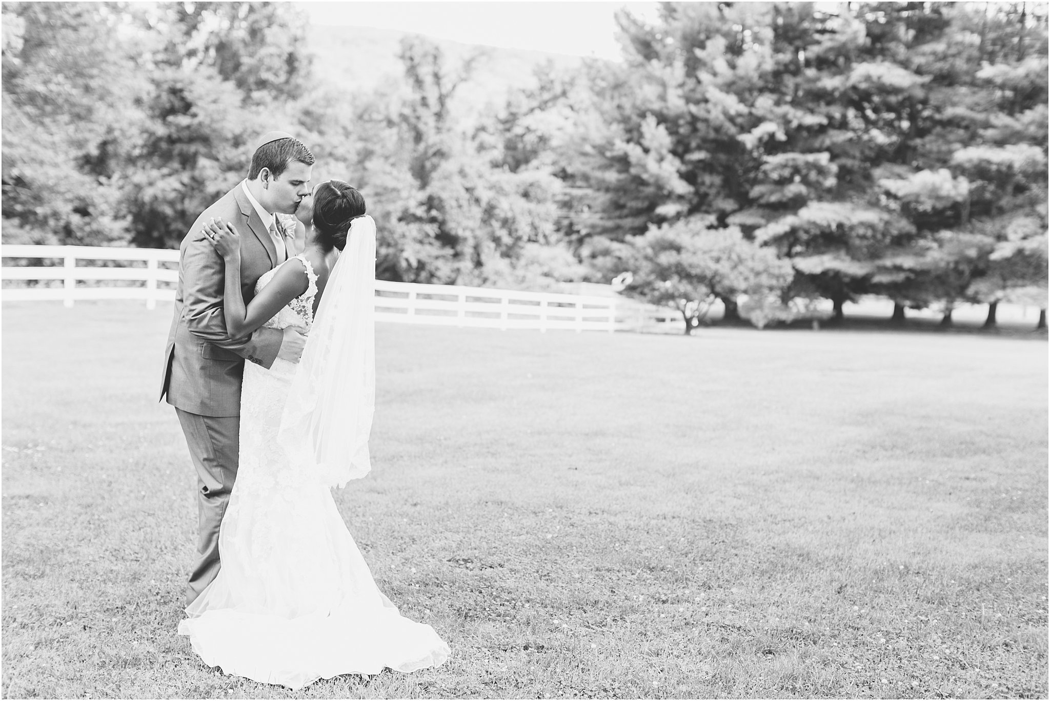 jessica_ryan_photography_virginia__middleburg_briar_patch_bed_and_breakfast_mountainside_wedding_Virginia_wedding_photographer_stella_york_wedding_dress_wedding_2555