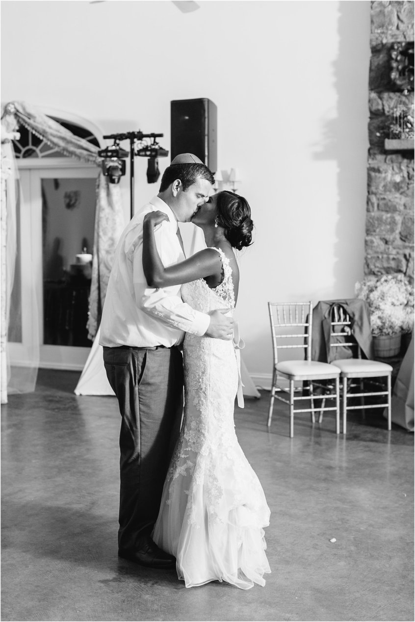 jessica_ryan_photography_virginia__middleburg_briar_patch_bed_and_breakfast_mountainside_wedding_Virginia_wedding_photographer_stella_york_wedding_dress_wedding_2617