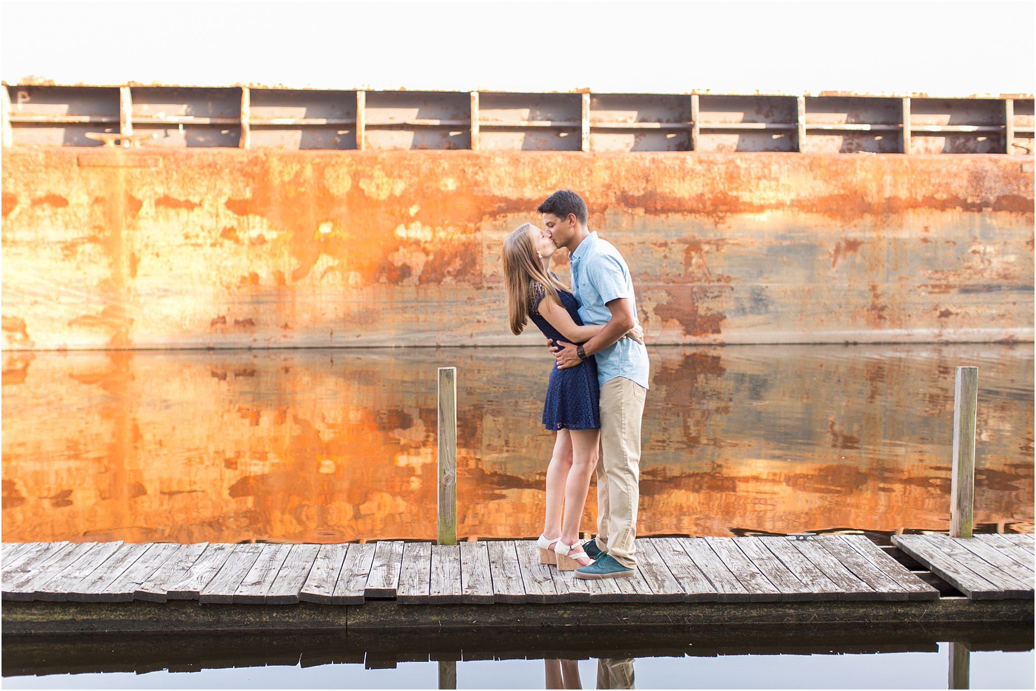 jessica_ryan_photography_virginia_virginia_beach_engagement_portraits_candid_authentic_engagements_pungo_country_farm_2756