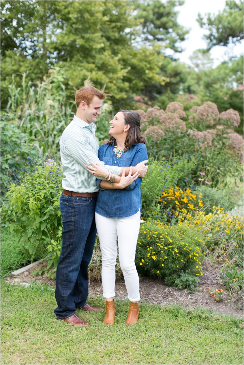 jessica_ryan_photography_virginia_virginia_beach_francis_land_house__portraits_bride_and_groom_beloved_historical_home_engagement_portraits_candid_authentic_engagements_2705