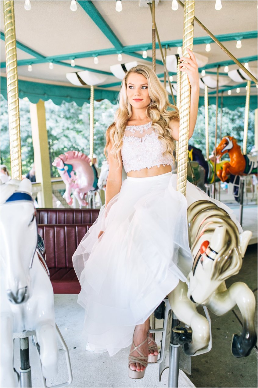 jessica_ryan_photography_busch_gardens_williamsburg_virginia_photographer_formal_dresses_portraits_fun_vibrant_portraits_faviana_designer_sherri_hill_designer_3158